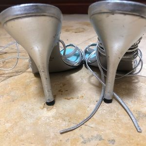 Guess Shoes - Guess heels size 8
